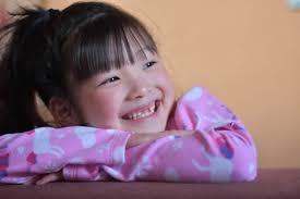 6才女児の笑顔と歯